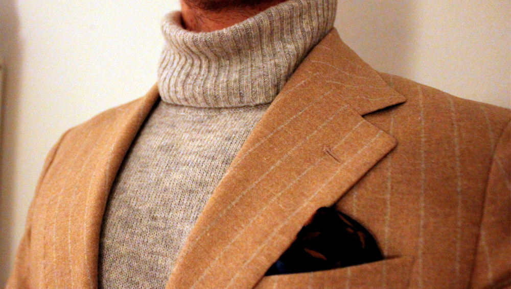 rollneck-and-blazer-combination