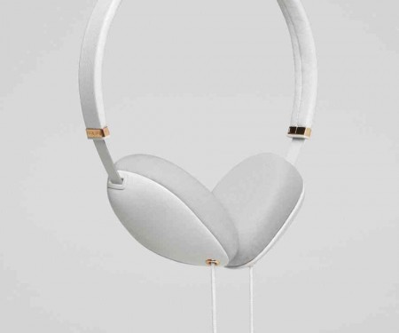 plica-headphones